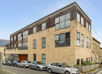 Thumbnail 1 bed flat for sale in Hallgate, Bradford