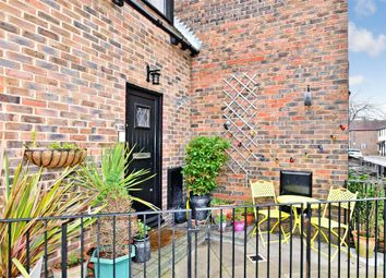 2 bed flat for sale in Kings Terrace, Emsworth, Hampshire PO10