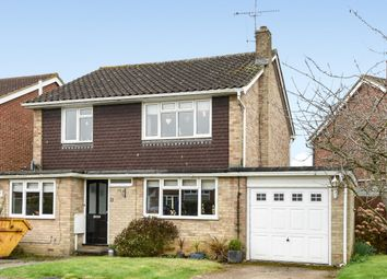 Thumbnail 3 bed detached house to rent in Stonecourt Close, Horley