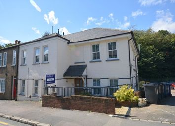Thumbnail Flat to rent in Station Road, Amersham