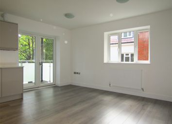 Thumbnail 2 bed flat for sale in Beechwood Gardens, Slough