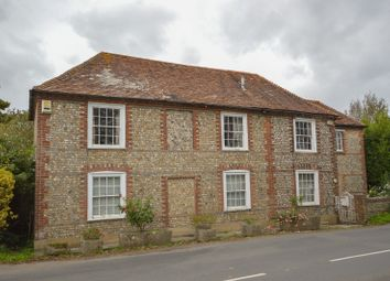 Thumbnail 4 bed detached house to rent in Apuldram Lane (South), Chichester