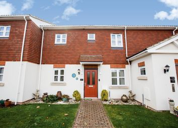 Thumbnail 2 bed flat for sale in Brickfield Farm Close, Longfield