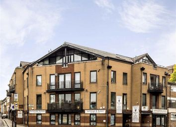 The Highway, London E1W. 3 bed flat