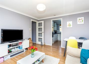 Thumbnail 2 bed flat for sale in Gilligan Close, Horsham