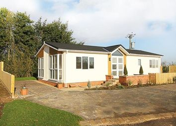 Thumbnail 2 bedroom mobile/park home for sale in Bramley New Park, Marsh Lane, Sheffield, Derbyshire