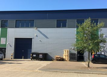 Thumbnail Warehouse to let in Whiteleaf Road, Hemel Hempstead