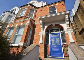 Thumbnail 1 bed flat to rent in Woodside, London