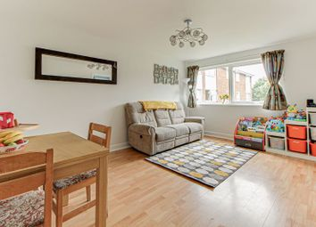 2 bed flat for sale in Cedar Court, St.Albans AL4
