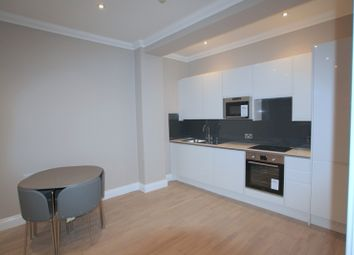 2 bed flat to rent in Richmond Place, Brighton BN2