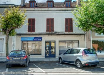 Thumbnail Commercial property for sale in Chalais, Charente, France
