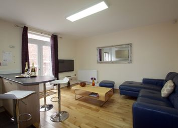 5 bed terraced house to rent in Hathersage Road, Manchester M13