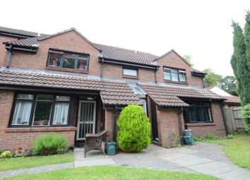 Thumbnail 1 bed flat to rent in Gordon Road, Camberley