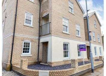 40 Huntingdon Street, St Neots PE19. 2 bed flat for sale