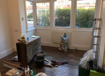 Thumbnail Studio to rent in Bottom South End Horn Lane Area, Acton