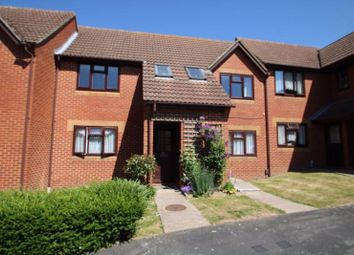 2 bed property for sale in Lansdowne Way, High Wycombe HP11