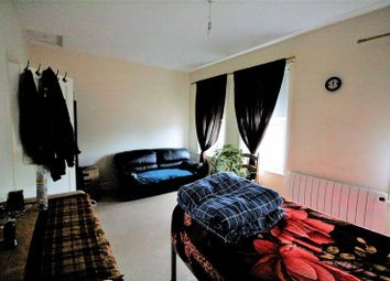 Thumbnail 2 bedroom maisonette for sale in Lea Bridge Road, London