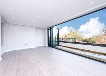 Thumbnail 1 bed flat for sale in Archway Road, Highgate