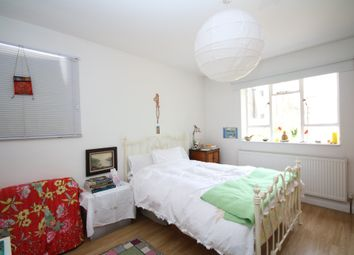Thumbnail 1 bedroom flat to rent in Kinloch Street, Holloway