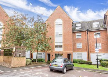 Thumbnail 2 bedroom flat for sale in Willow Walk, London
