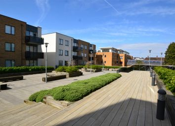 Thumbnail Property to rent in Russells Crescent, Horley