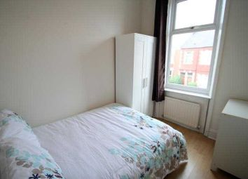 Thumbnail Room to rent in Simonside Terrace, Heaton, Newcastle Upon Tyne