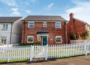 Thumbnail 4 bedroom detached house to rent in Meadow Drive, Henfield