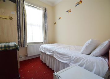 Thumbnail 1 bedroom property to rent in Caversham Road, Reading
