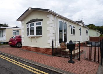 2 bed mobile/park home for sale in The Rowan, Woodbine Close, Waltham Abbey EN9