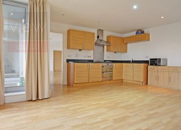 Thumbnail 2 bed flat to rent in Long Lane, Borough