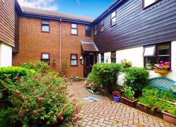 Thumbnail 1 bed flat to rent in Eastwick Park Avenue, Bookham, Leatherhead