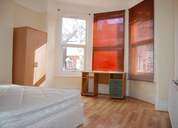 Thumbnail Room to rent in Woodside Road, Room 1, Wood Green