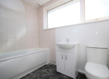 Thumbnail 3 bed property to rent in Shepeshall, Basildon