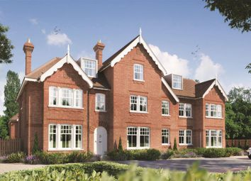 2 bed flat for sale in Amersham Road, High Wycombe HP13