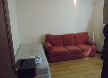 Thumbnail Studio to rent in Burypark Road, Luton