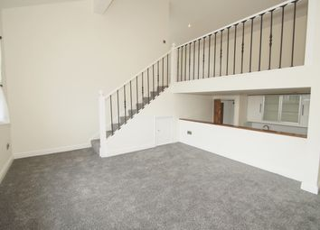 Thumbnail 1 bed flat to rent in Chatterton Road, Bromley