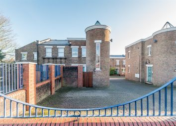 Thumbnail 1 bed maisonette for sale in Chichester Mews, London