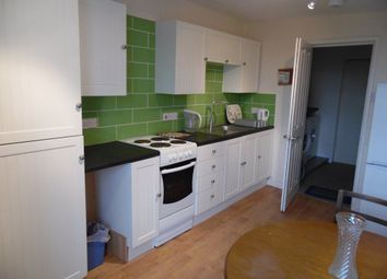 Thumbnail 1 bed flat to rent in The Triangle, Bournemouth