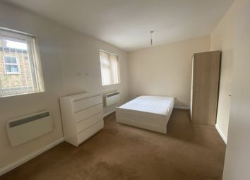 Thumbnail 1 bed flat to rent in Queens Parade, Green Lanes, London