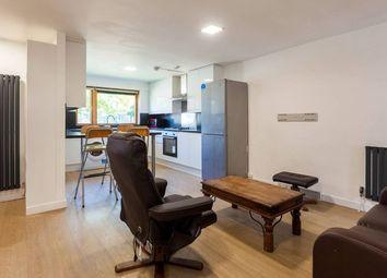 4 bed maisonette to rent in Southwark Park Road, Bermondsey SE16