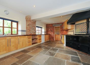 Thumbnail 5 bed barn conversion to rent in Park Lane, Swanmore, Southampton