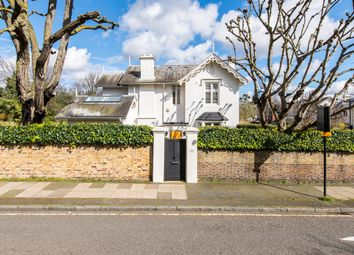 Norfolk Road, London NW8. 4 bed detached house