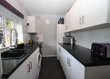 Thumbnail 1 bed flat to rent in Briery Way, Hemel Hempstead Industrial Estate, Hemel Hempstead