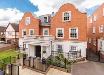 Thumbnail 2 bed flat for sale in Regency Apartments, Manor Road, Chigwell
