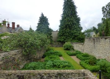 Thumbnail 1 bed flat to rent in Silver Street, Cirencester