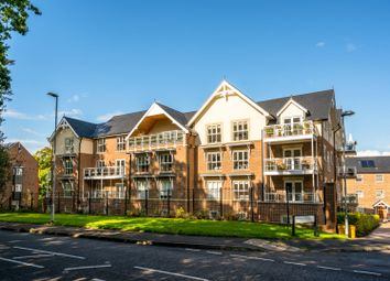 Thumbnail 2 bedroom flat for sale in Townsend Gate, Berkhamsted