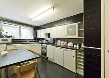 Thumbnail 2 bed flat to rent in Ampton Street, London