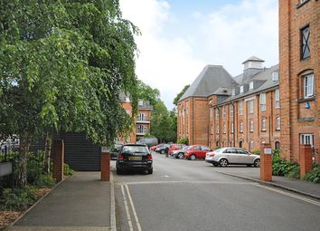 Thumbnail 3 bedroom flat to rent in Abingdon, Oxfordshire