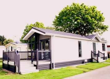 Thumbnail 1 bed bungalow for sale in Frinton Road, Thorpe Le Soken, Clacton On Sea