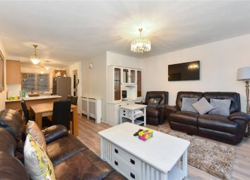2 bed flat to rent in Chesterton Square, London W8